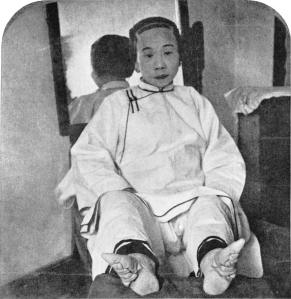 mujer pies de loto