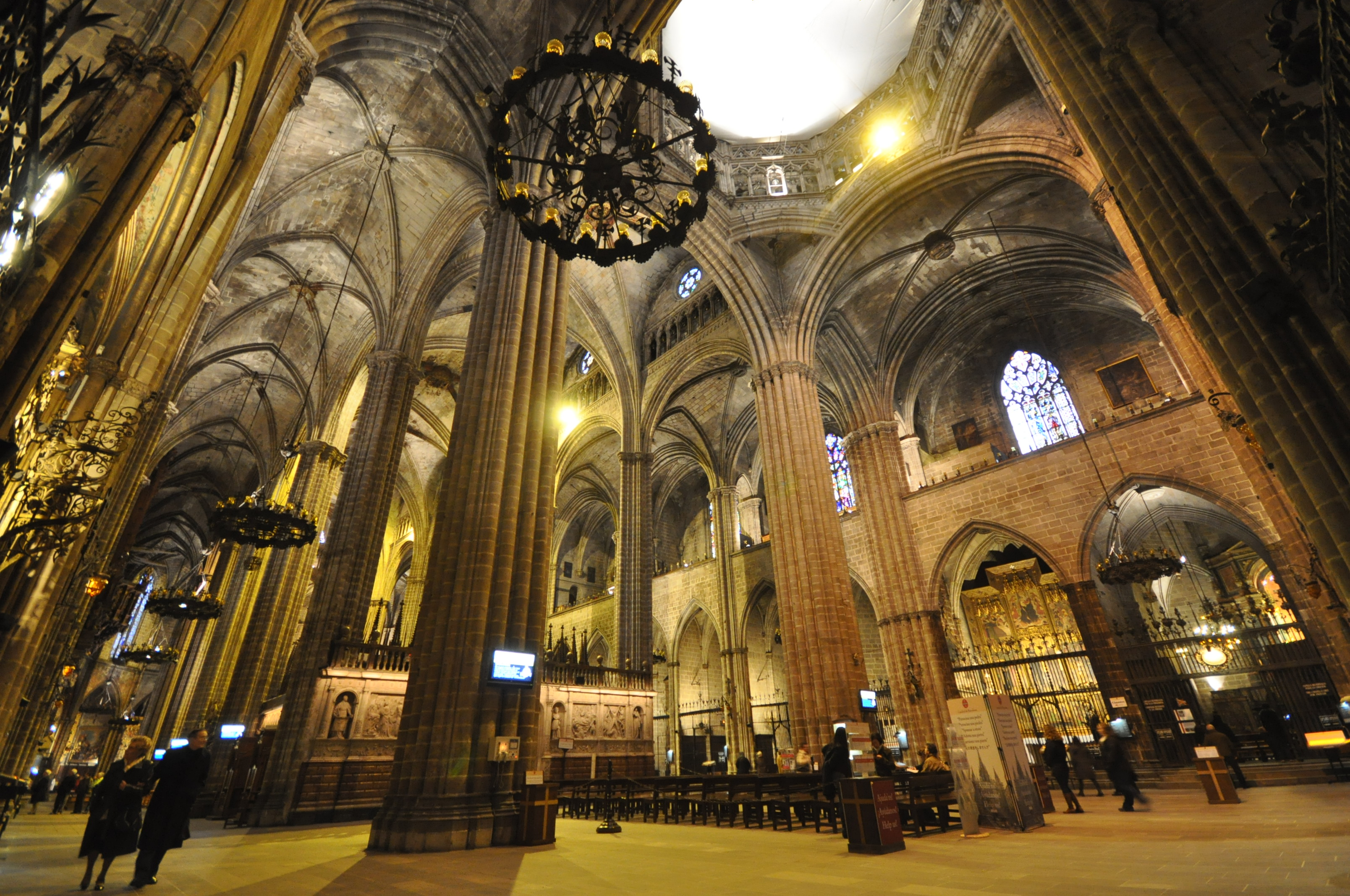 Cathedral_of_Santa_Eulalia_Barcelona