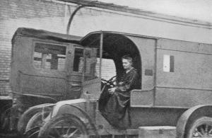 Marie Curie en una unidad móvil de radiografía