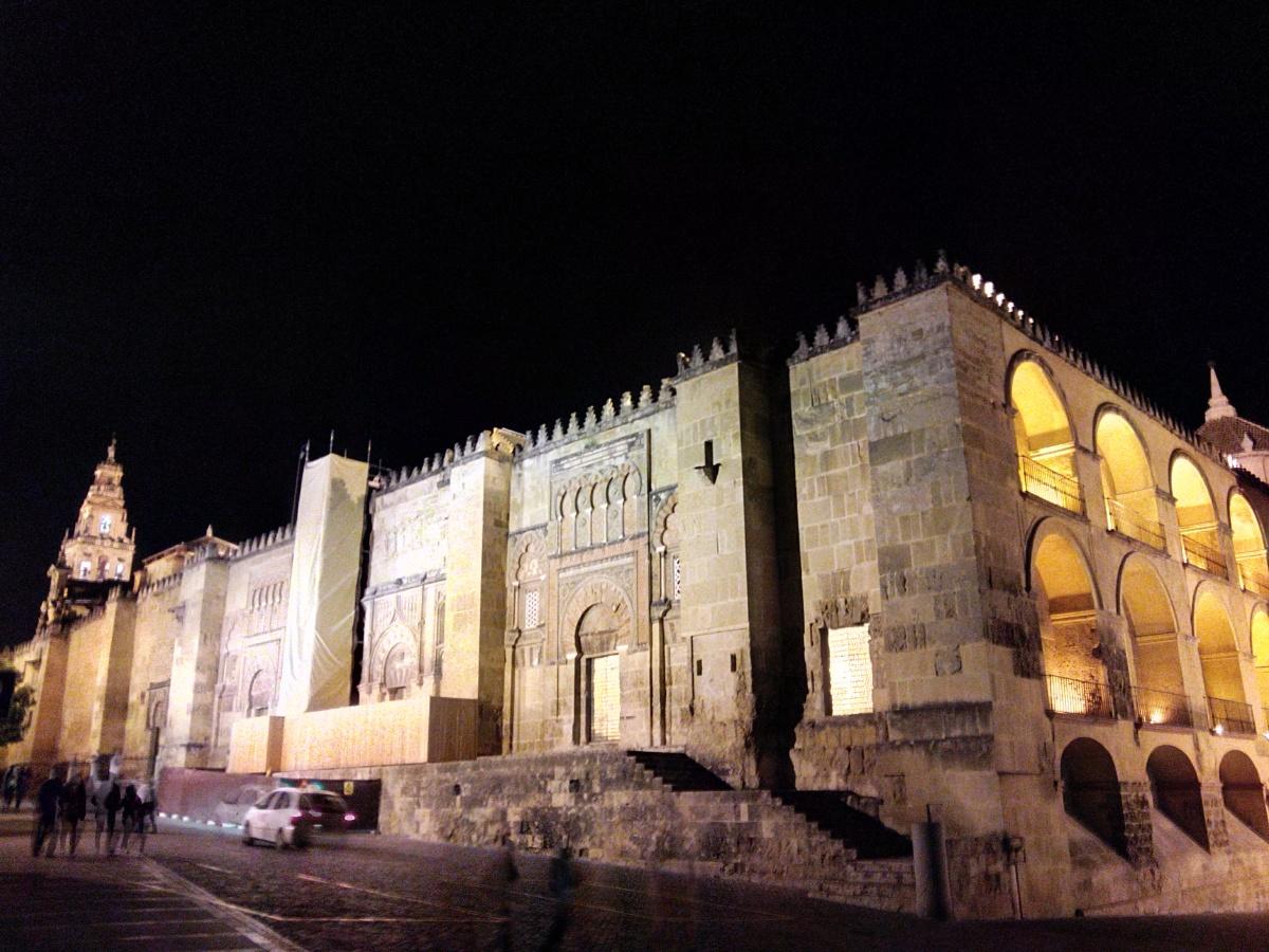 Un lugar de la Historia... ¿Catedral o Mezquita, Mezquita o Catedral? Córdoba: crisol de culturas.
