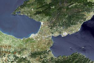 Corinto y su istmo (Grecia). Foto satélite de la NASA.