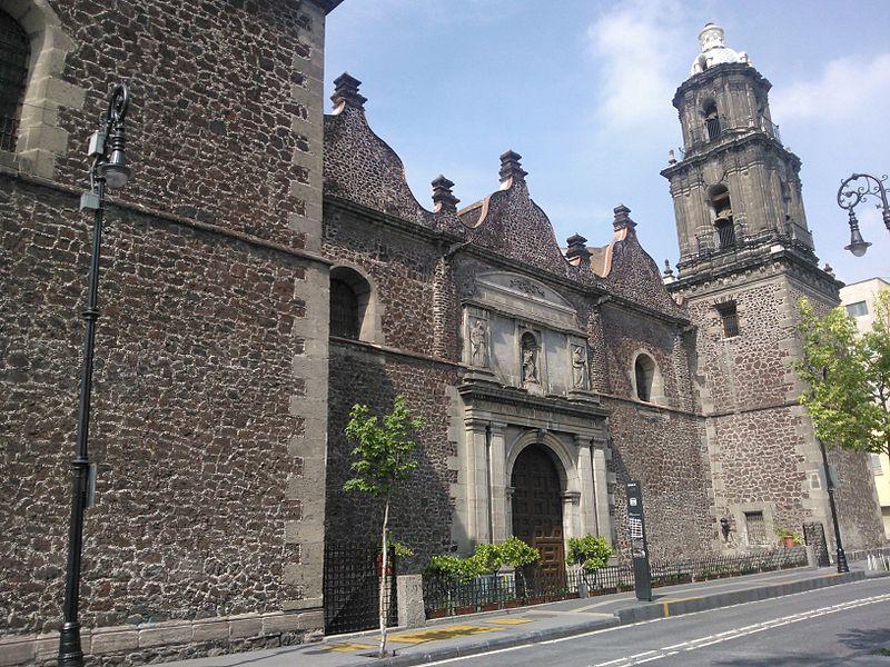 Fachada del Templo de Jesus Nazareno en el centro historico de la ciudad de Mexico