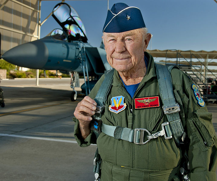 718px-Flickr_-_DVIDSHUB_-_Chuck_Yeager_commemorates_historic_flight_(Image_26_of_26)