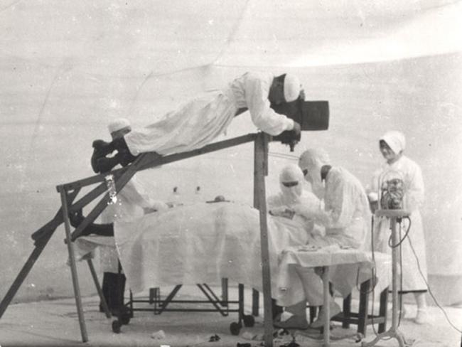 grabando cirugia oftalmologia antigua