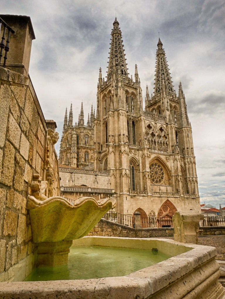 Fachada_de_la_Catedral_de_Burgos