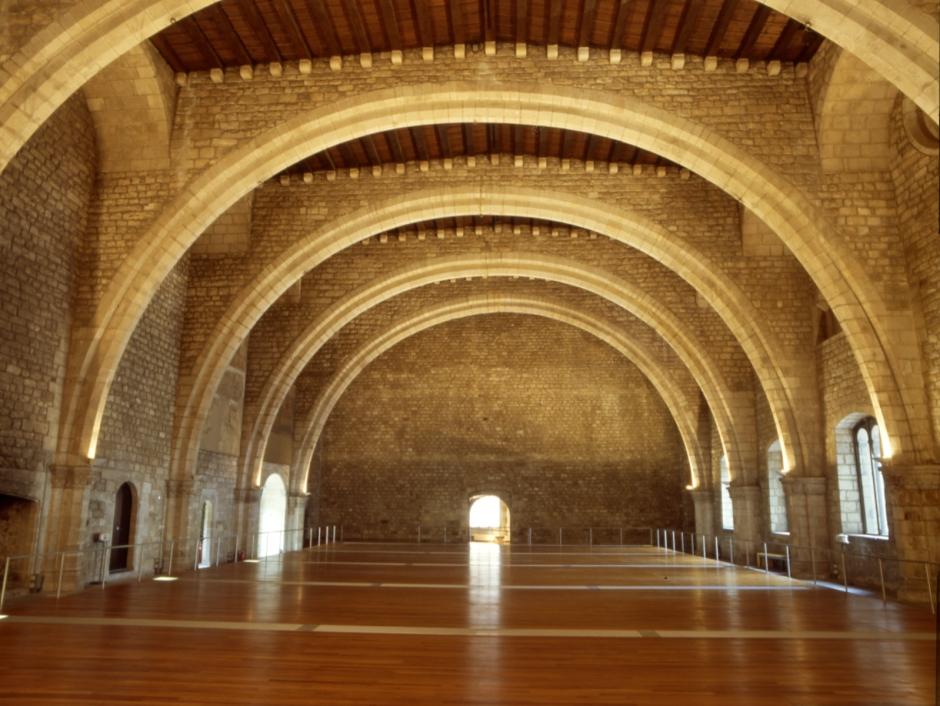 saló del tinell barcelona plaza del rey